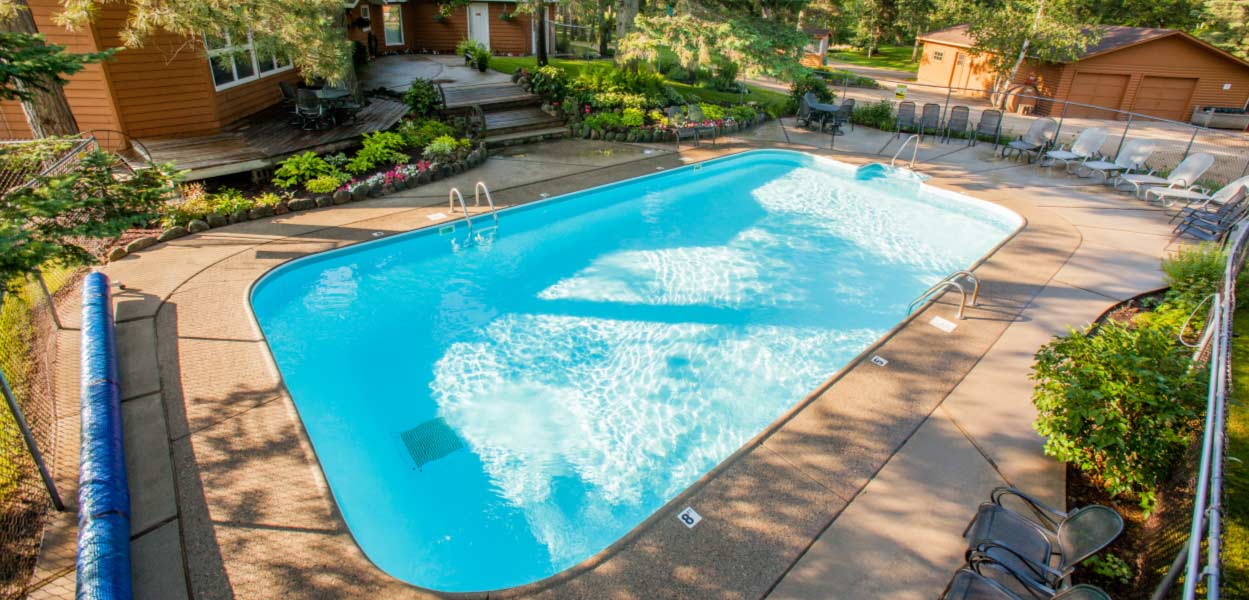 Things to do at half moon trail park rapids resort for Heated garden swimming pools